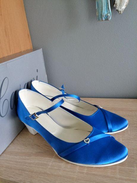 Chabrowe buty ślubne