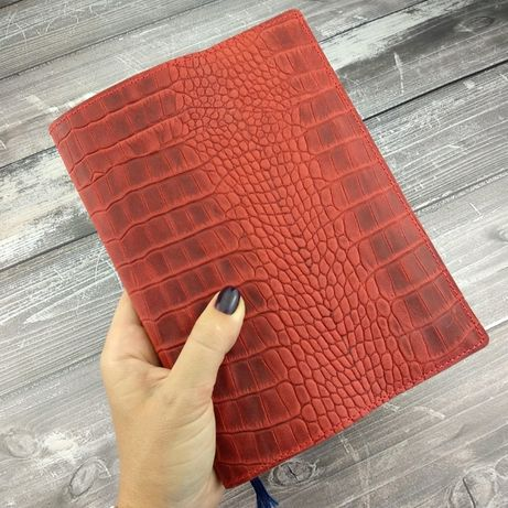 Кожаная обложка для ежедневника / блокнота ф. А5 Lika (красный)
