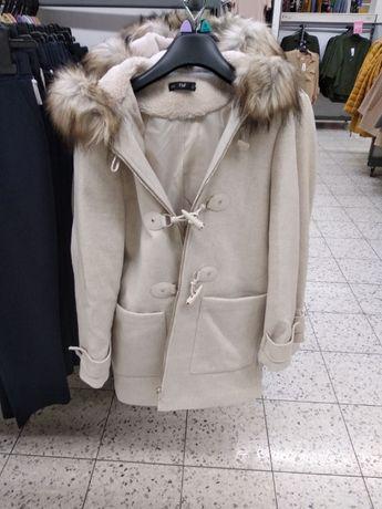 Płaszcz z kapturem r.36