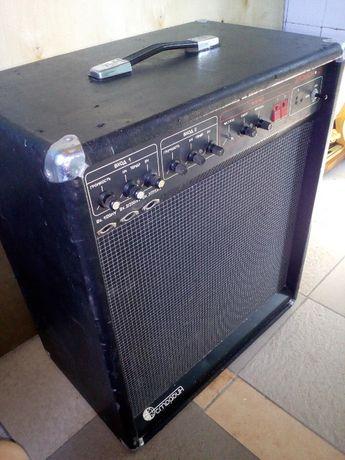 Гитарный комбоусилитель Эпсилон-25