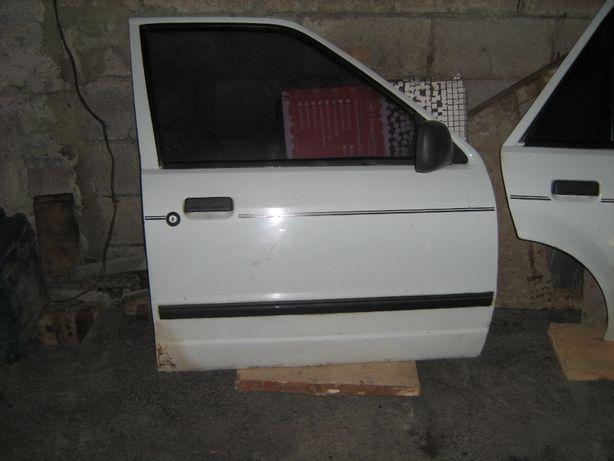 двери Форд эскорт 1986г универсал