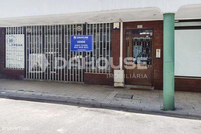 Loja c/141 m2 de área no centro de Braga