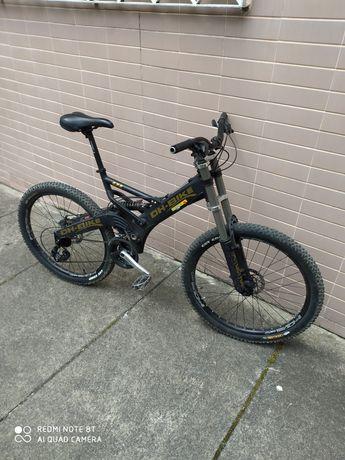 Bicicleta DH-BIKE