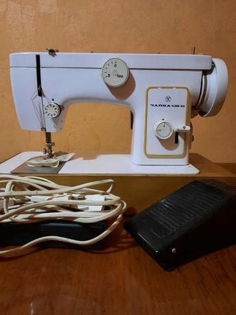 Швейная машинка Чайка 132-М с электроприводом.