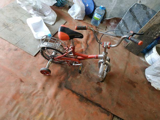 Продам велосипед детский с доп. колёсами