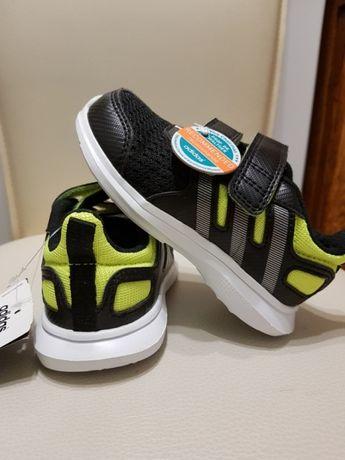 Продам новые кроссовки для мальчика