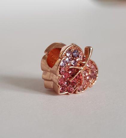 Pandora charms zawieszka Rose Błyszczący liść pavé