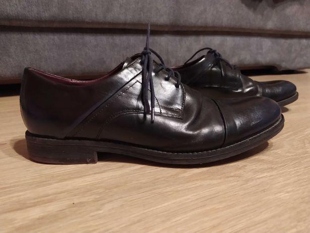 Sprzedam Buty galówki LASOCKI (używane), rozmiar 43, kolor czarny
