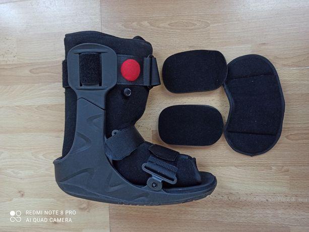 Walker but ortopedyczny pneumatyczny