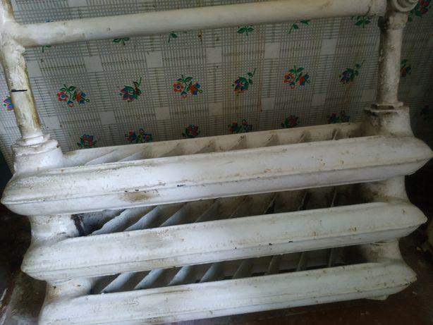 Батареи чугунные радиаторы 3 секции и змеевик в ванную
