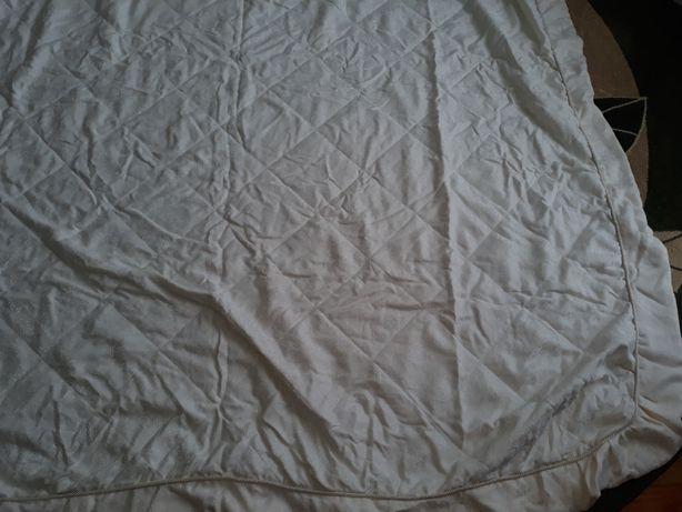 Покривало на ліжко 253 на 235см