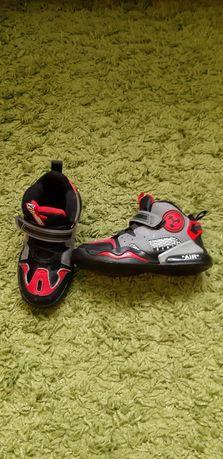 Теплі кросівки для хлопчика