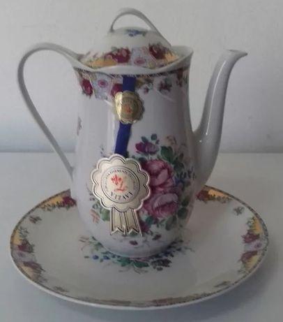 Prato e Bule em porcelana Limoges Vizavi de Itália
