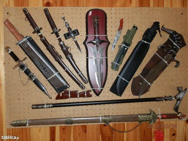 Zestaw mieczy i mieczyków