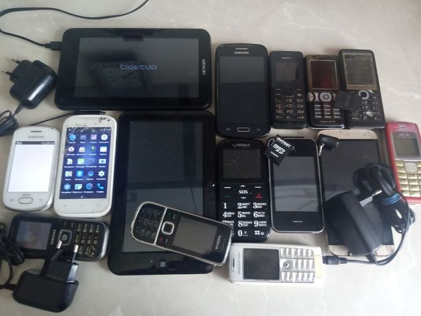 15 телефонов на ремонт или др.цели наложкой.