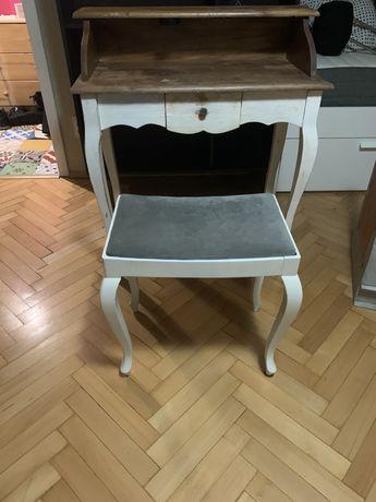 Krzeselko/taboret  w stylu prowansalskim