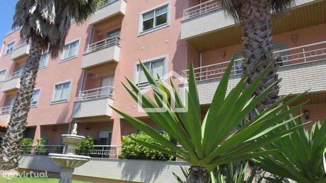 Apartamento T3 com Terraço Sta. Maria de Lamas
