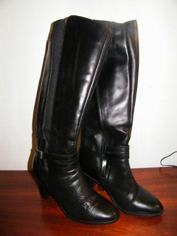 Botas pretas altas/até ao joelho, muito pouco uso (Senhora, nº36)