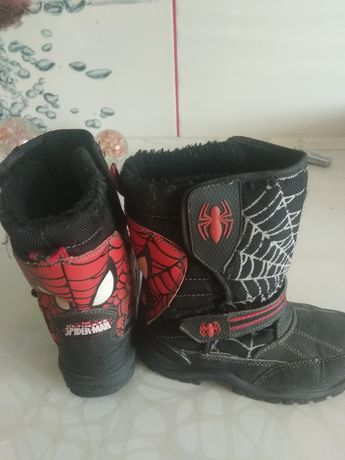 Детские сапожки и ботинки