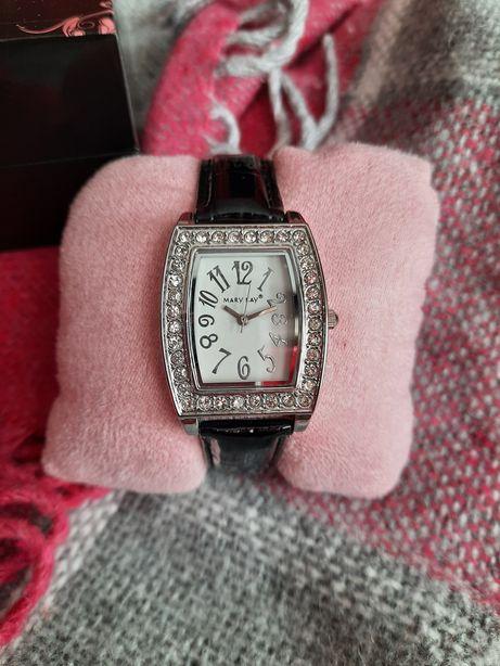 Часы от Мери Кей