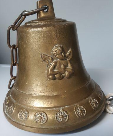 Okazały dzwon okrętowy z motywem aniołków z ringabuliną ozdoba wejścia
