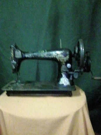 Продам швейную машинку \Sihger\. Антиквариат.