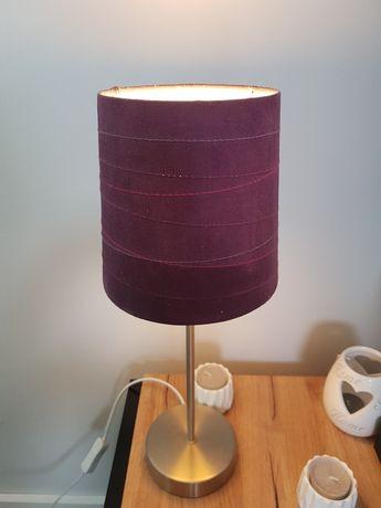 Stojąca fioletowa lampka