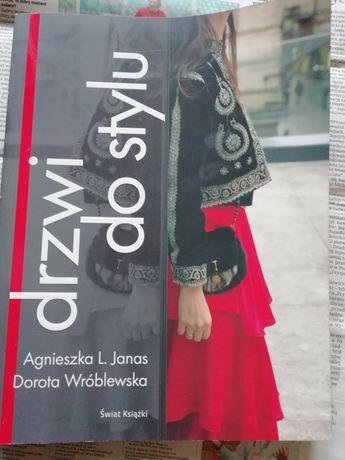 Drzwi do stylu A. Janas D. Wróblewska