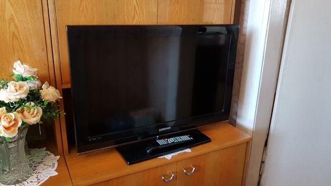 Telewizor Samsung 32cale uszkodzony