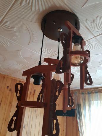 Продам люстру деревянную