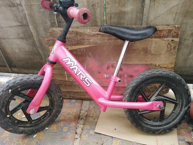 Беговел, велобег для девочки 3-5 лет