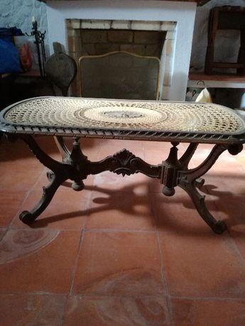 Mesa com palhinha