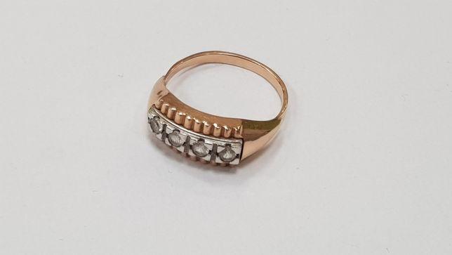Piękny złoty pierścionek/ 3.3g / Złoto 585/ R17/Cyrkonie/ Gdynia
