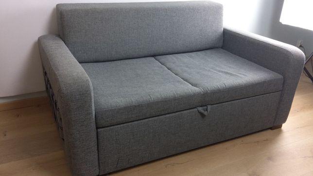 Mała kanapa z możliwością spania dla dzieci