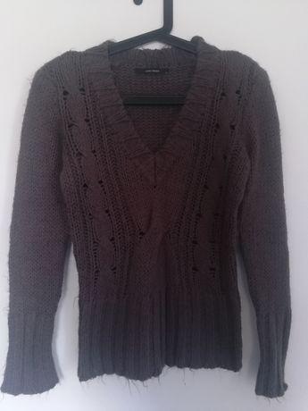 Sweterek VERO MODA rozmiar M brąz dekolt w serek śliczny ciepły