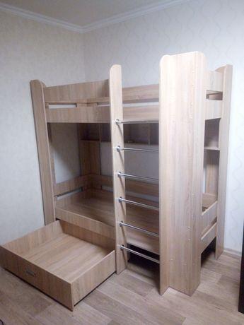 Продам двухярусную кровать 1900х900 в цвете дуб сонома.