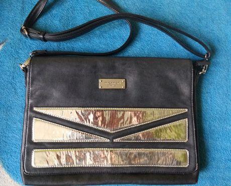 Czarna torebka / listonoszka z lustrzanymi elementami, MONNARI