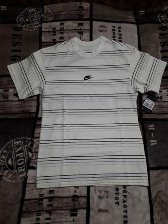 Nowość  Koszulka męska Nike S