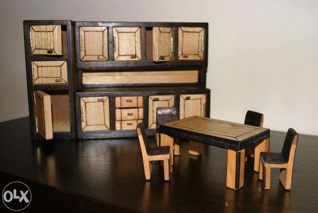 Móveis em miniatura casa de bonecas