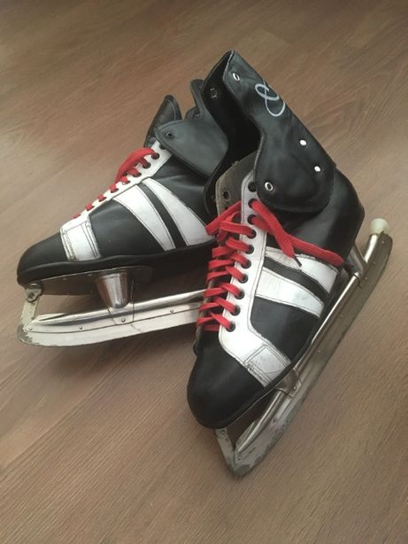 Продам хоккейные коньки, 44 размер
