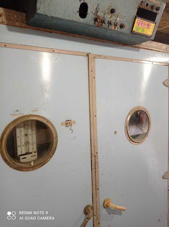 Інкубатор універсал ,виводной шкаф