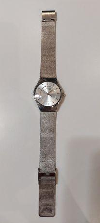 Srebny zegarek damski