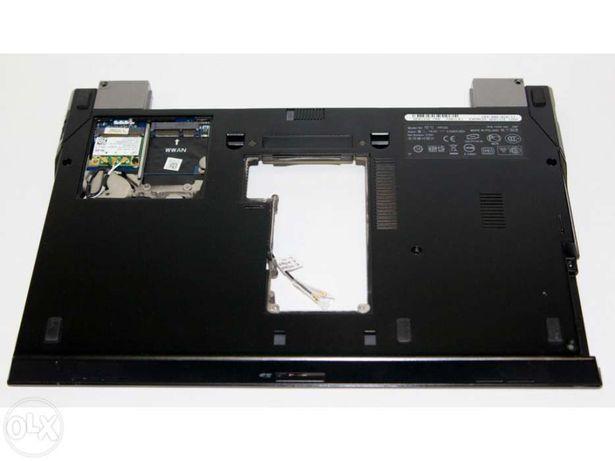 Dell™ Latitude E4300 a partir de tampa da base abaixo