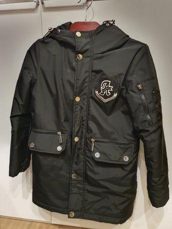 Продаю осеннее пальто на мальчика на 9-10 лет