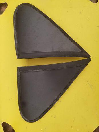 BERLINGO III PARTNER 3 08-12r trójkąt wypełnienie błotnika drzwi