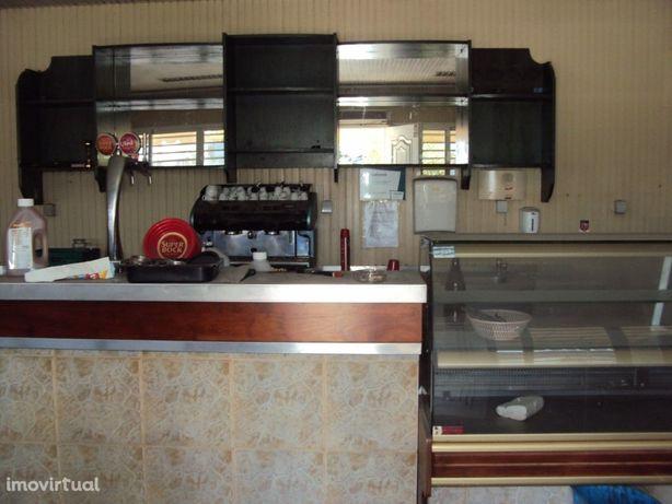 Quiosque/Bar na Zona Industrial de Santarém