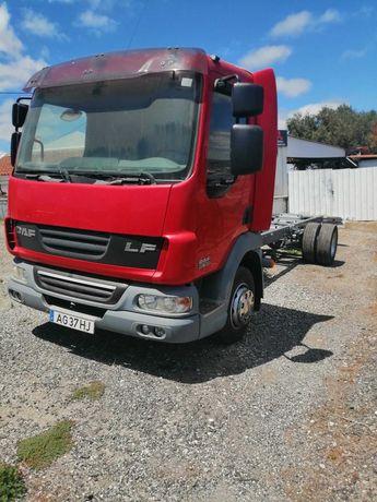 Camião DAF 45 180