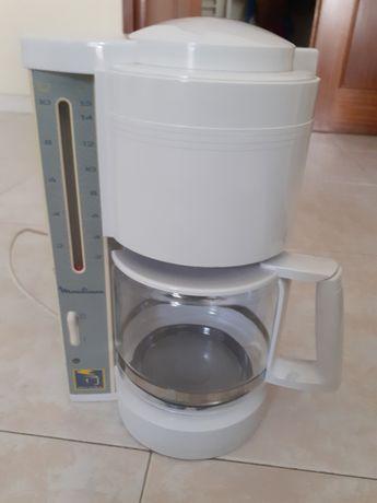 Máquina de Café Filtro - Marca Moulinex