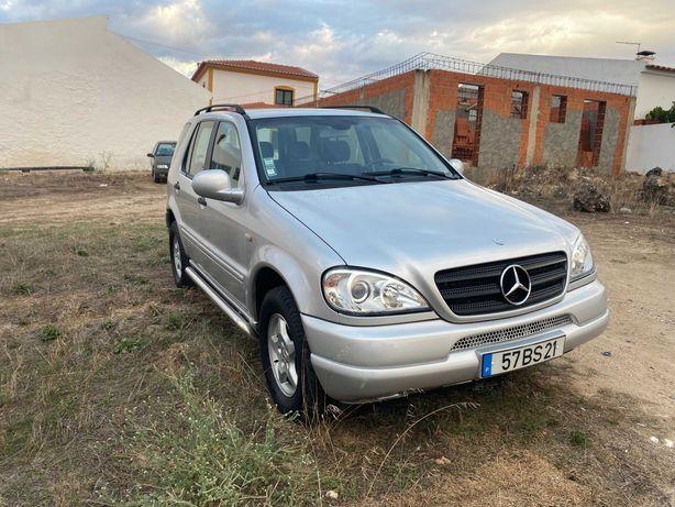 Mercedes Ml270 CDI * SUV Bom estado*