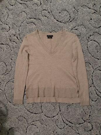 Мягенький шерстяной свитер, джемпер от. Massimo dutti